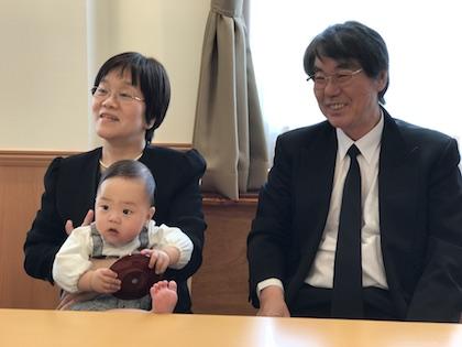 両親と息子